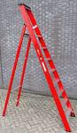 Afbeelding van Kelfort plateautrap, 1x8, gecoat aluminium, extra diepe trede, rood